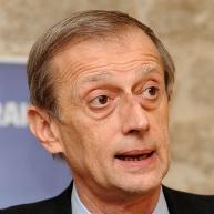 Uffici stampa nei comuni italiani: Piero Fassino risponde alla Fnsi